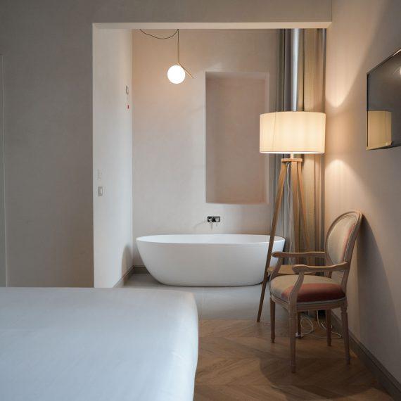 Deluxe Room - Opera35 Hotel